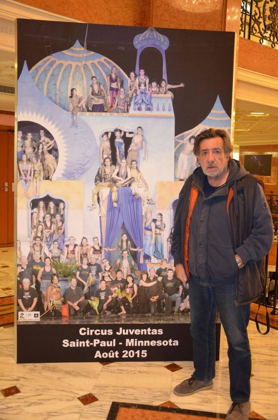 Une exposition de clichés exclusifs du Cirque Juventas est à découvrir sur les trois niveaux du Métropole Shopping Center.
