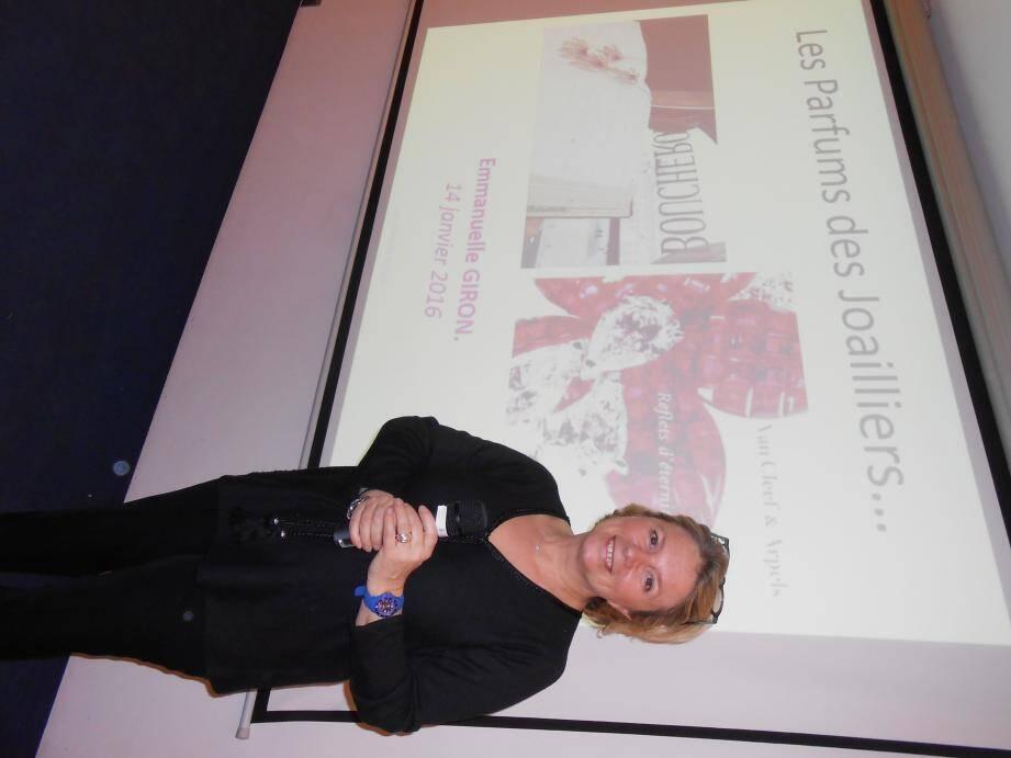 Le parfumeur Emmanuelle Giron a présenté l'histoire des parfums des joailliers, hier soir, au MIP.