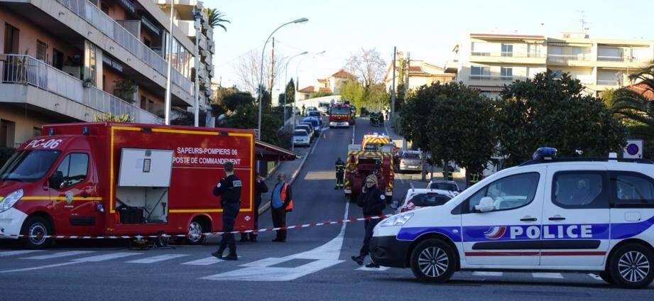 A Cagnes, l'avenue Val en Sol et le trafic ferroviaire ont été coupés entre 12h30 et 17h30.