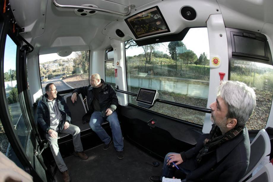 Voyage à bord de l'EZ10 sans chauffeur.