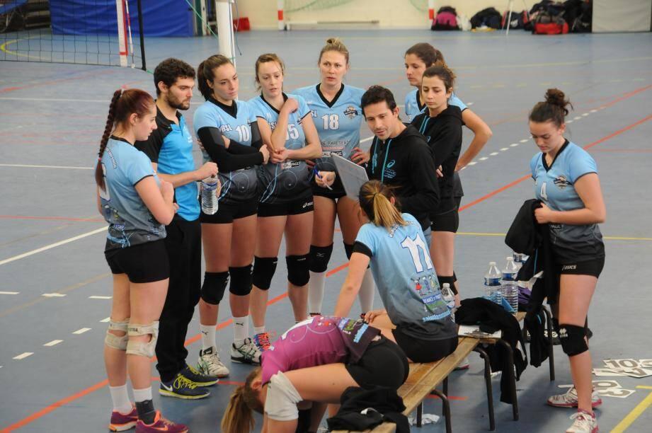 Les volleyeuses ont récité leur volley contre Grenoble. Une performance qui les qualifie presque en playoffs.