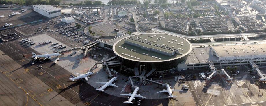 L'aéroport Nice-Côte d'Azur.
