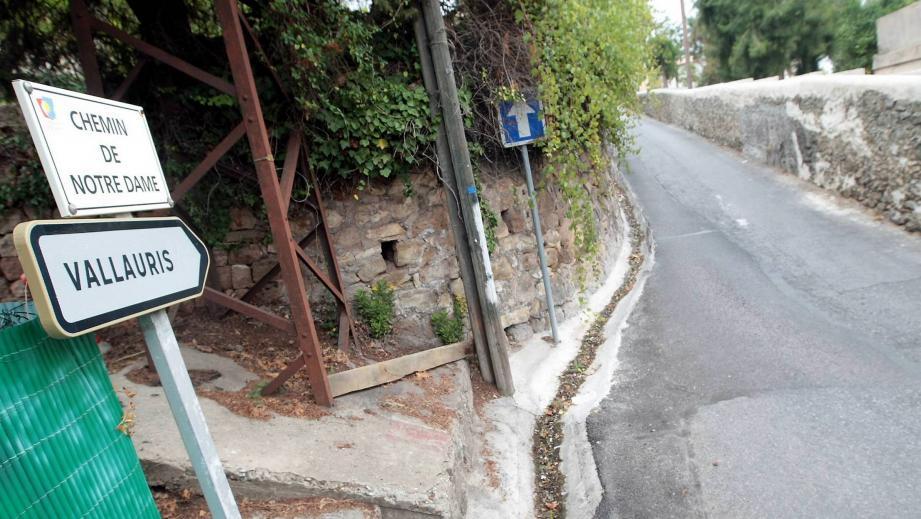 Au bout du chemin de Notre-Dame, devant la résidence La Quieta, Florian Enoff sera frappé. Il en mourra.(DR)