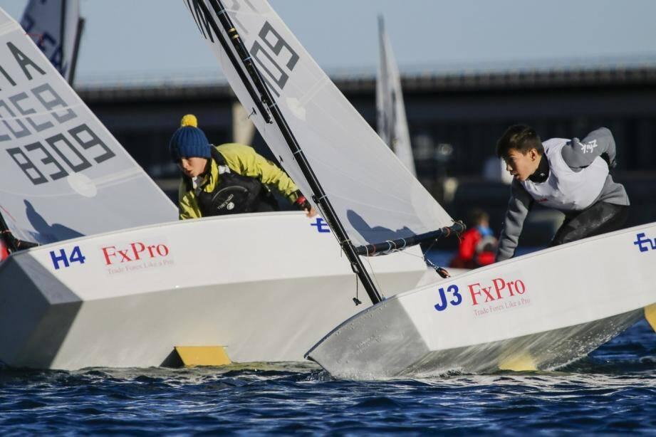 Les jeunes régatiers sur Optimist n'ont rien lâché pour tenter de décrocher la victoire finale qui revient à la Société Nautique de Genève.