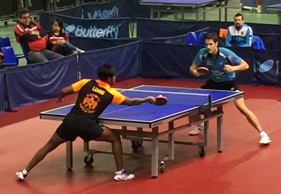 Une rencontre âprement disputée par tous les joueurs des deux équipes.