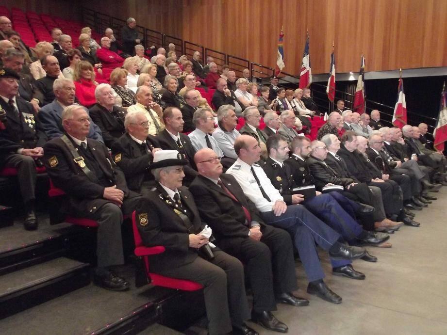 Représentants des Armées, de la Police municipale, d'associations patriotiques étaient présents à l'assemblée. Neuf gendarmes ont, cette année, rejoint les rangs de la section locale.
