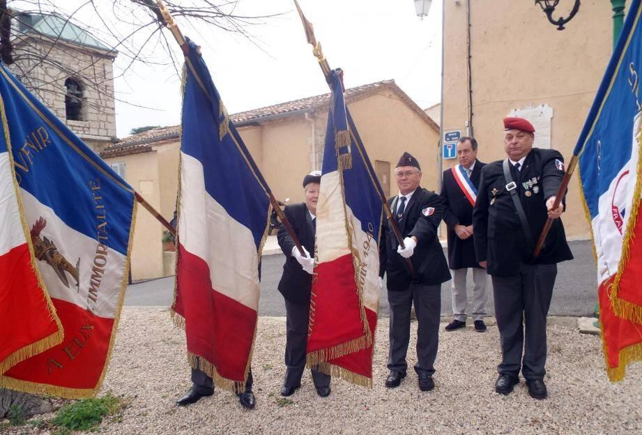 L'hommage aux Morts pour la France, l'entretien des tombes et le passage du flambeau aux jeunes générations font partie des actions régulières du comité.