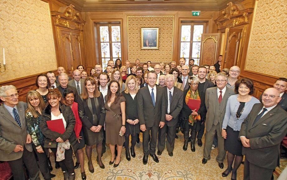 Le maire Georges Marsan a souhaité la bienvenue hier aux nouveaux compatriotes, naturalisés au cours de l'année 2015.