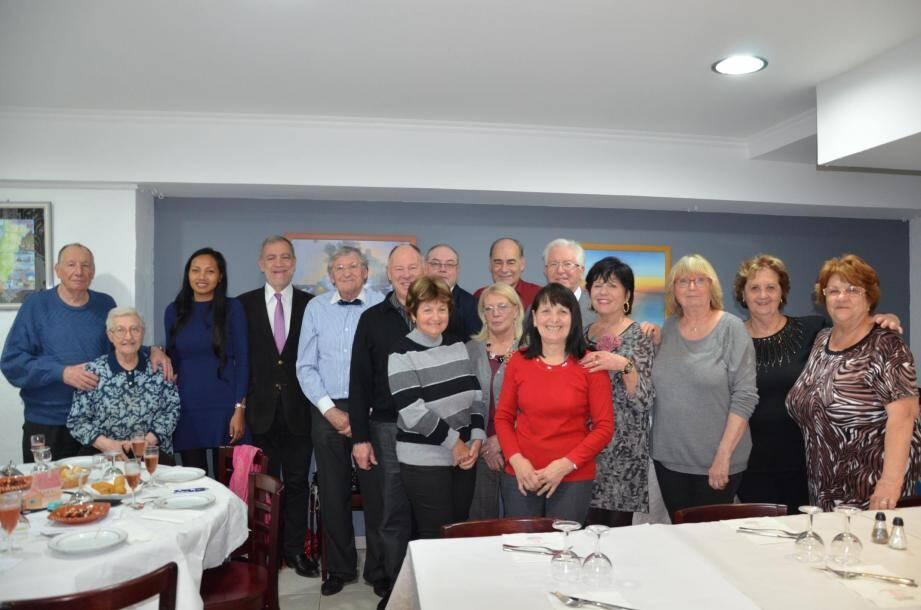 Les membres du CMB et son président aux côtés du maire Gérard Spinelli.