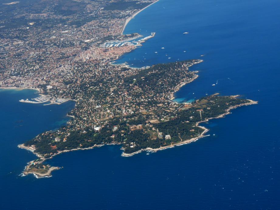 Le cap d'Antibes, ses criques et ses sites remarquables. Un des trop rares espaces protégés des Alpes-Maritimes grâce à la loi Littoral.(Archive Nice Matin)