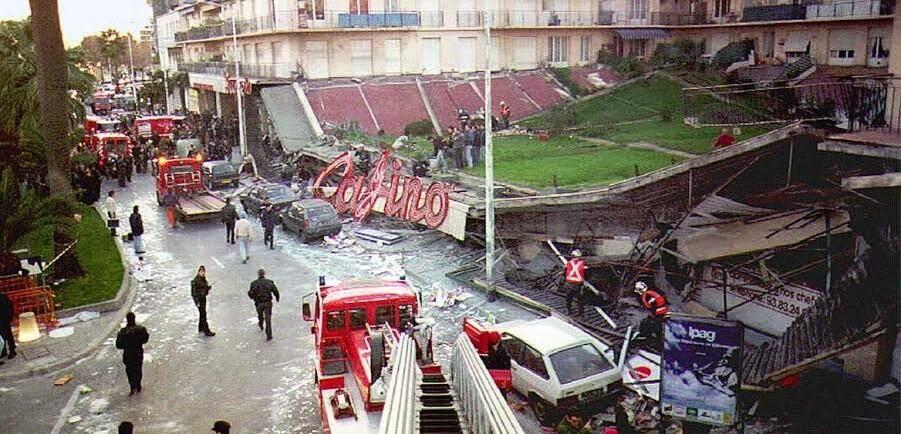 Tout à coup, un vacarme insensé, la peur, puis l'horreur. Le toit vient de s'effondrer. C'était le 26 janvier 1994, à 16h08 exactement.