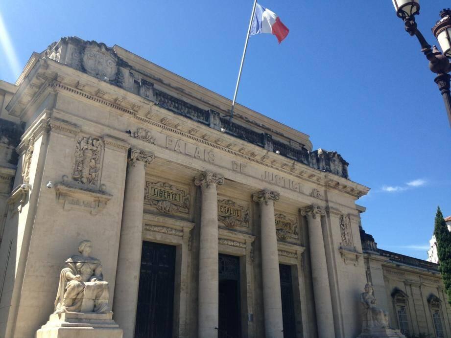 Le tribunal correctionnel de Toulon n'a pas retenu la légitime défense.