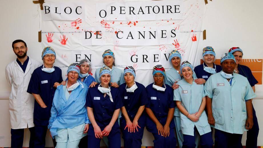 Les infirmières du bloc opératoire de Cannes sont en grève.