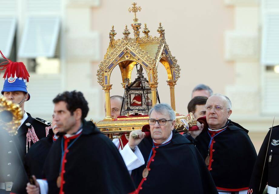 La cérémonie de la Sainte Dévote en 2016.