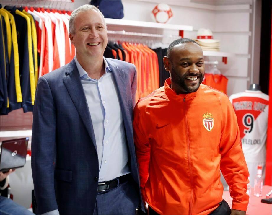 Présentation officielle du brésilien Vagner Love, nouvelle recrue de l'AS Monaco à la boutique de l'as monaco en compagnie de Vadim Vasilyev