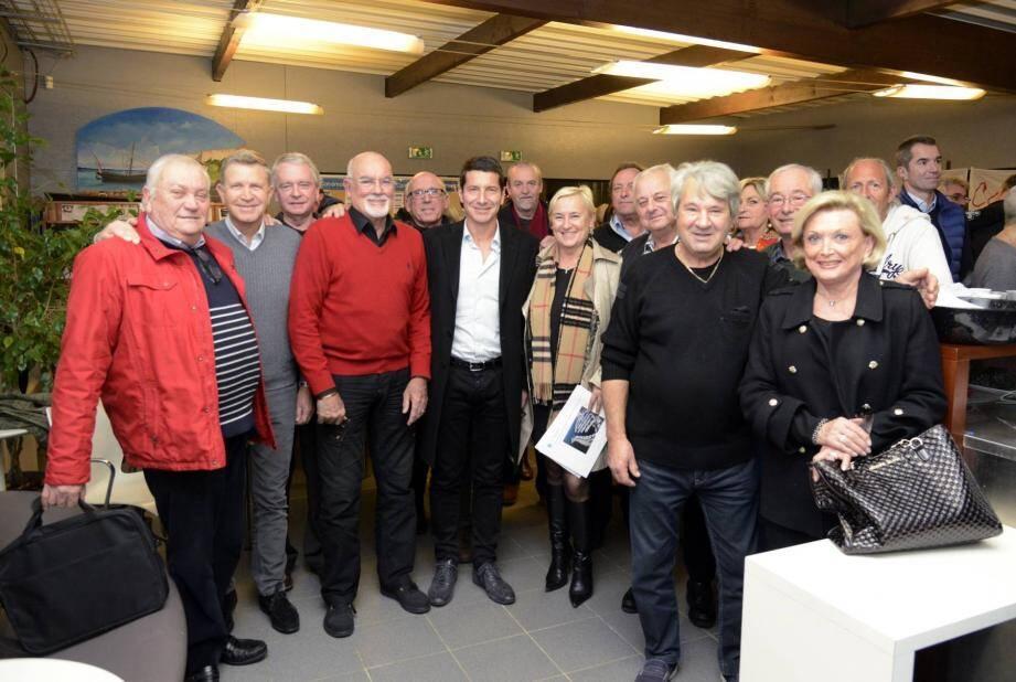 André Revollon et David Lisnard, qui était accompagné de Françoise Bruneteaux, conseillère régionale et Gilles Cima, adjoint, se félicitent de l'état d'esprit cannois de l'association.