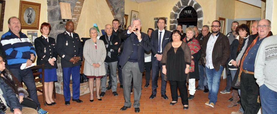 En présence de Charles-Ange Ginésy député, président de la CCAA et de plusieurs maires et élus de communes voisines.