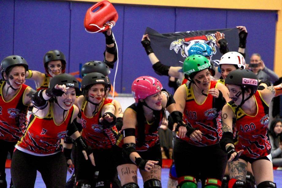 Le roller derby est venu faire son show à Nice, le week-end dernier. Un sport de contact déroutant et ultra physique...