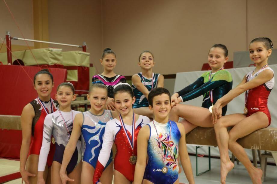 Les jeunes gymnastes du Fémina Sports, tout sourire à l'issue de leurs premières belles performances de la saison.