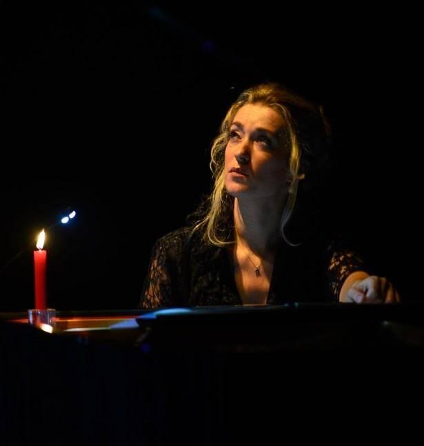 Talent, virtuosité, passion et générosité sont les mots qui viennent à l'esprit en entendant et en admirant Laure Favre-Kahn.