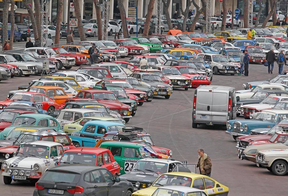 Concentration de voitures de rallye, hier sur le port Hercule.