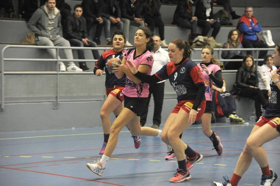 Mélanie Chialva et ses coéquipières n'ont guère le choix pour reprendre leur place de leader : battre Port-de-Bouc, ce soir à Mouans-Sartoux.