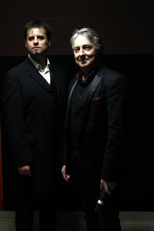 Anciens fumeurs, Jean-Charles Dupet et Erick Fearson veulent faire connaître  les bienfaits de l'hypnose dans la France entière.