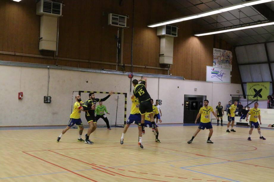 Les handballeurs villeneuvois ont été très solides, samedi soir, pour venir à bout de Corte, un adversaire coriace.