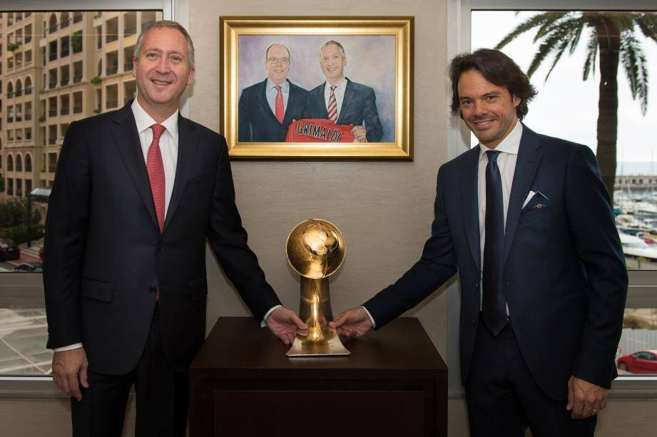 Le vice-président et directeur général du club, Vadim Vasilyev a reçu lundi le prix des mains de Tommaso Bendoni, directeur général des Globe Soccer Awards.