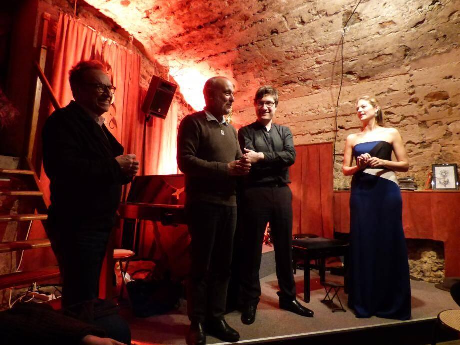 Marc Monnet, directeur du festival monégasque et compositeur, Alex Benvenuto du So What, le professeur de guitare Tristan Manoukian et la harpiste soliste Sophia Steckeler.