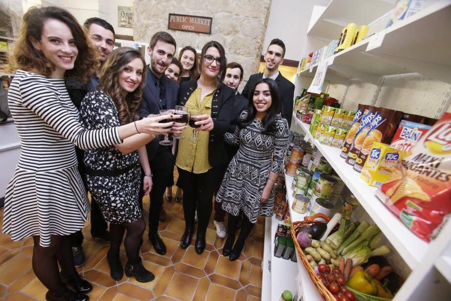 150 personnes étaient présentes lors de l'apéritif dinatoire à l'épicerie.