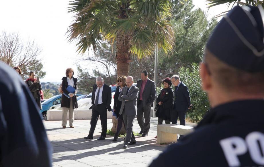 Les élus, hier matin, lors de la visite des locaux de la future MSAP dans les Hauts-de-Vallauris.