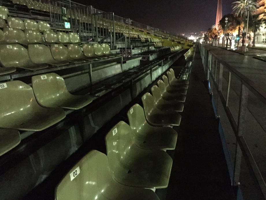 Plus d'une centaine de sièges a été arrachée de son emplacement, dimanche soir, quai des Etats-Unis.