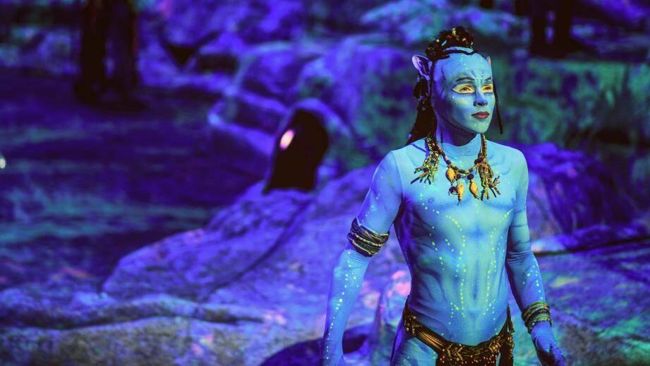 Thomas Hubener joue les Na'vi du Cirque du Soleil pour le spectacle Toruk.