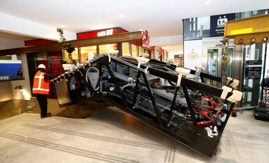 Les escaliers mécaniques, comme les ascenseurs, devraient être remis en service à partir du mois d'avril.