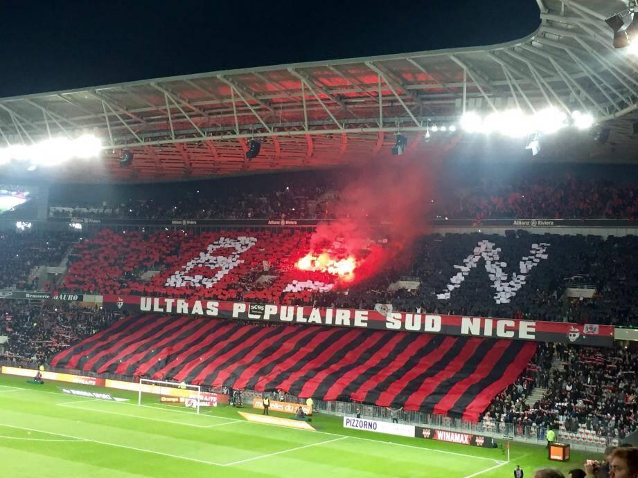 Le tifo controversé, dimanche soir à l'Allianz Riviera.