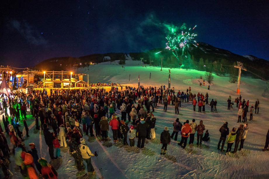 Descentes aux flambeaux et feux d'artifices ont ponctué les  festivités au Val d'Allos.