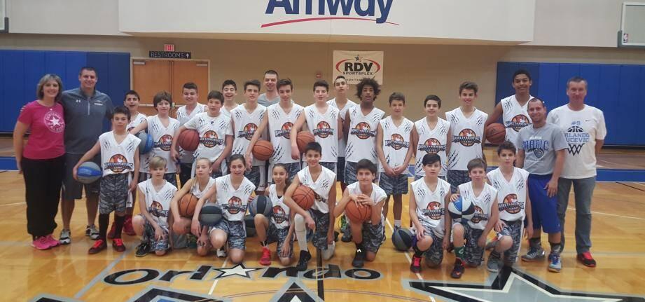 Une quarantaine d'enfants du club ont eu la chance de passer une semaine aux États-Unis, participant à un stage d'entraînement chez les Orlando Magic. Magique pour ces jeunes fans de basket.(DR)