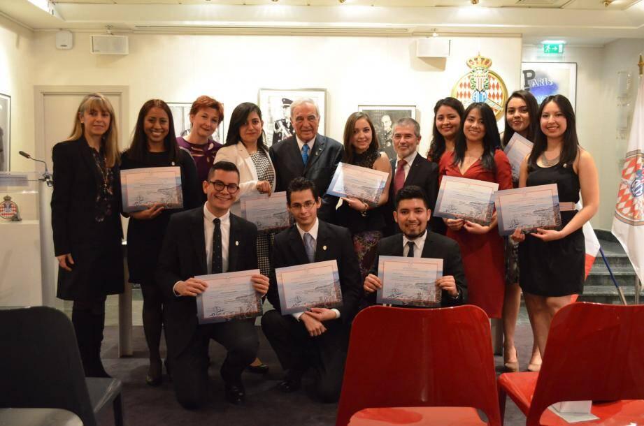 La fondation Turquois a pour objet de décerner des bourses à des étudiants mexicains.