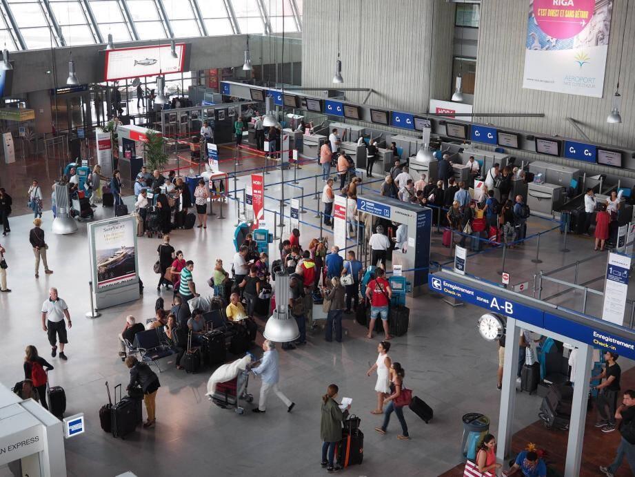 Le futur acquéreur devra justifier d'une expérience de deux ans dans la gestion aéroportuaire d'une plateforme ayant un trafic commercial supérieur à 7 millions de voyageurs par an.