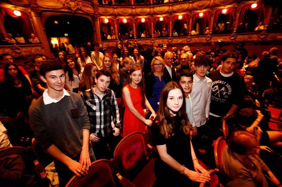 « Richard Total… à la conquête de l'or du Rhin ». Une pièce de théâtre signée par l'« Etr'Ange Cie » présentée, gratuitement par la Ville, à l'opéra. Un privilège pour 800 convives dont les lycées d'Estienne d'Orves.