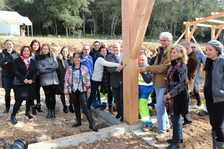 La chèvrerie communale située face au lycée Simone Veil a été officiellement lancée par les élus.