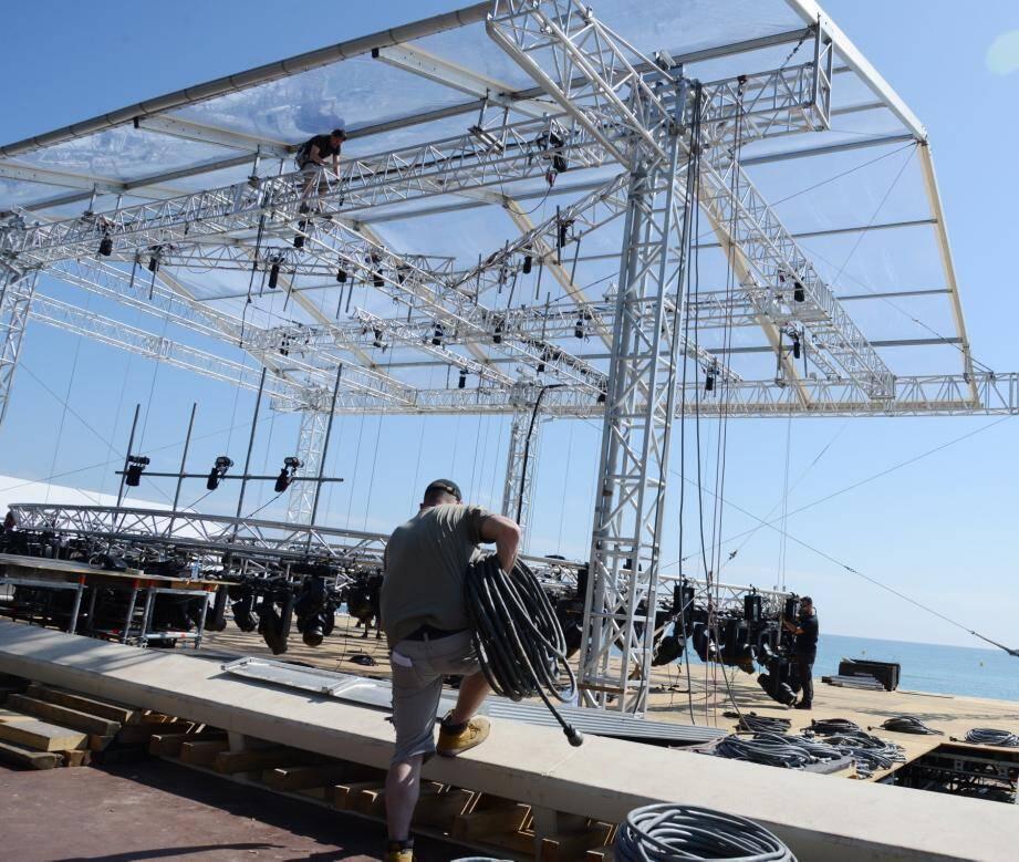 Le Grand journal de Canal + sera scindé en deux plateaux : un à Cannes, l'autre à Paris, avec Maïtena Biraben.