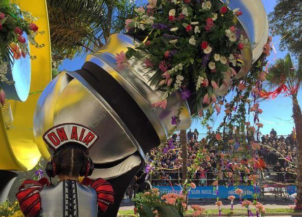 Le soleil était au rendez-vous pour ce premier jour de carnaval.