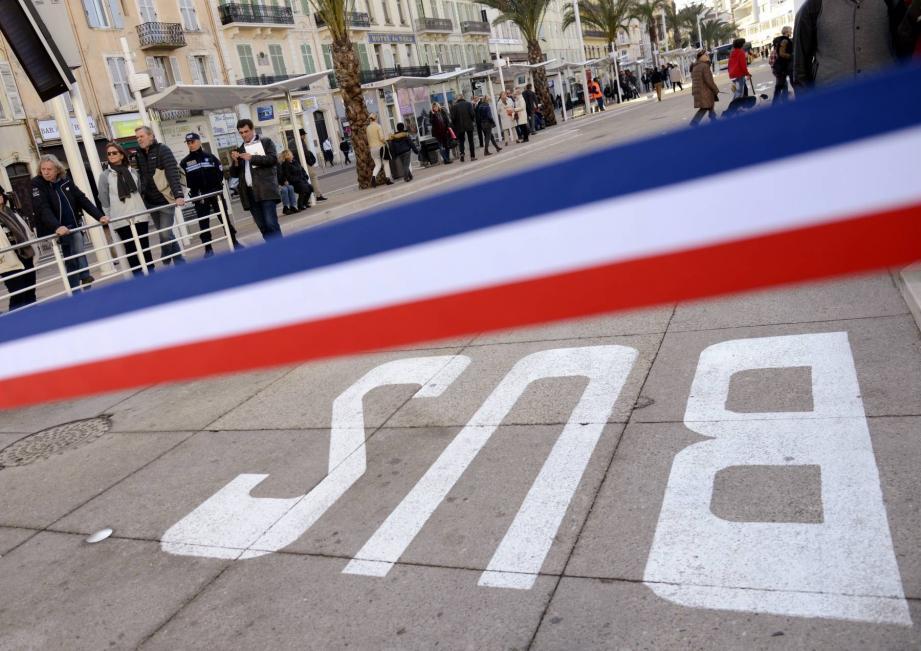 Près de quatre millions de voyageurs passent par la gare de Cannes chaque année. Un chiffre qui devrait atteindre les six millions d'ici dix ans. D'où la nécessité de ces travaux.