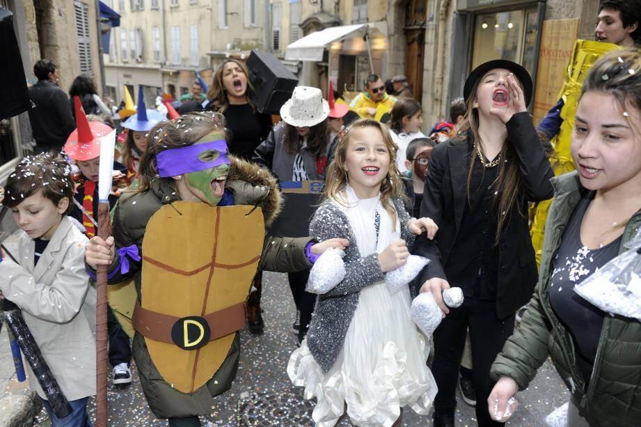 le carnaval des centre aeres de grasse papier lily sebe