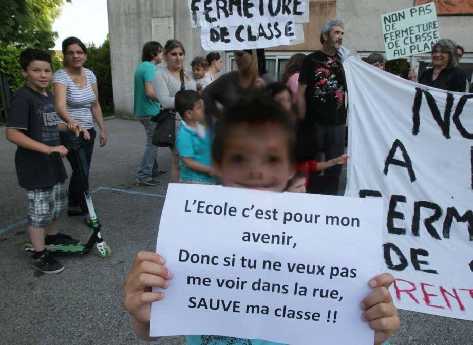 Le groupe scolaire du Bayle à Auribeau, Henri-Wallon à Grasse et les écoles de Saint-Cézaire et Le Rouret devraient subir des fermetures de classes.