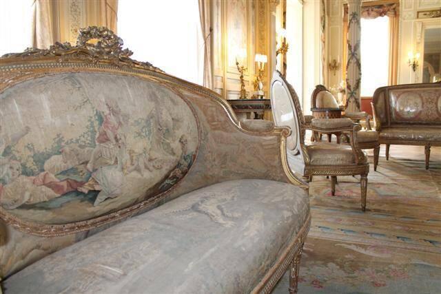 La Fondation du patrimoine soutient la restauration du salon Louis XVI, salle d'apparat de la villa.