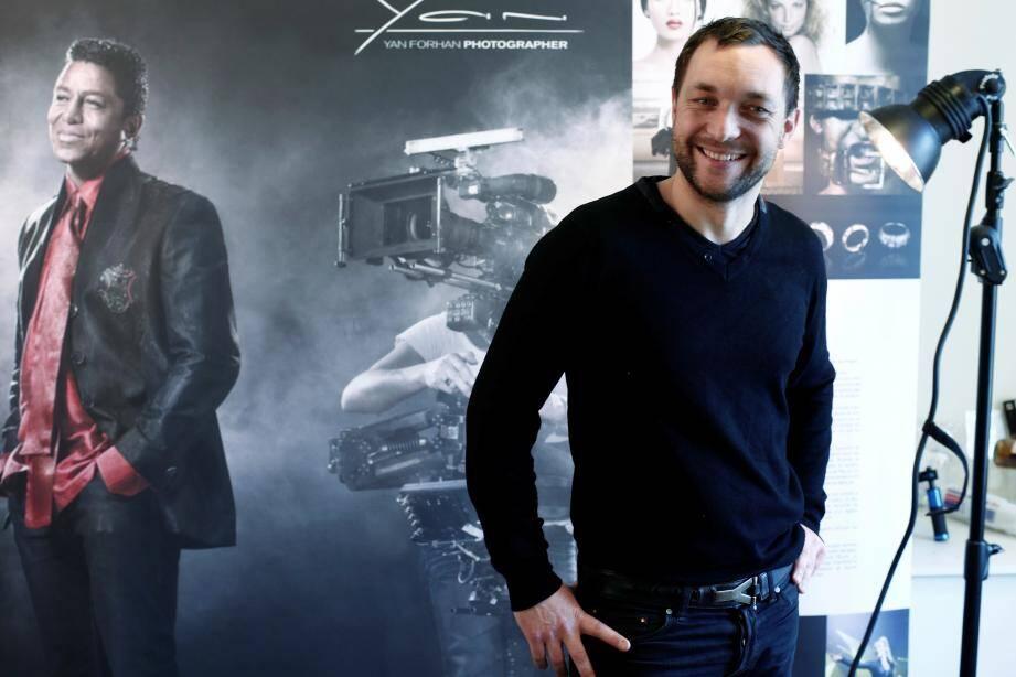 Yan Forhan photographe designer réalisateur installé à Nice et reconnu pour ses photos de personalités