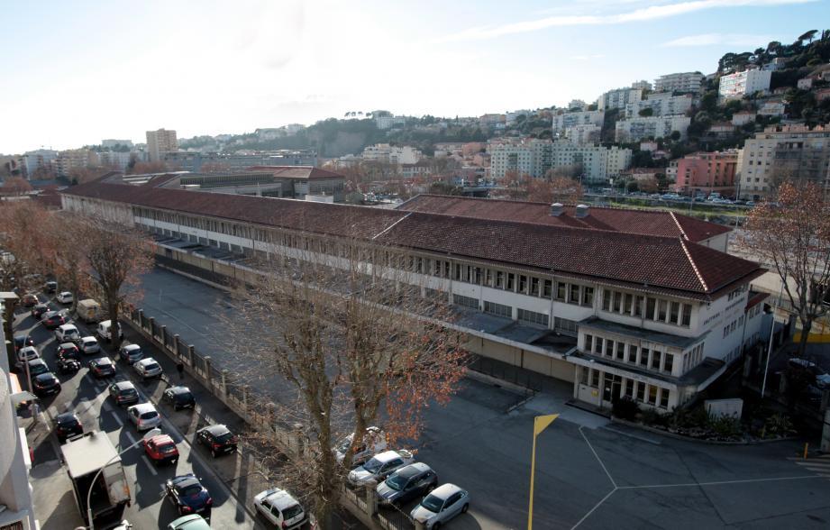 Les abattoirs de Nice : un lieu tout trouvé pour les bouchers, charcutiers, tripieres et boyaudiers, qui pourrait être livré aux artistes lors des prochaines années.